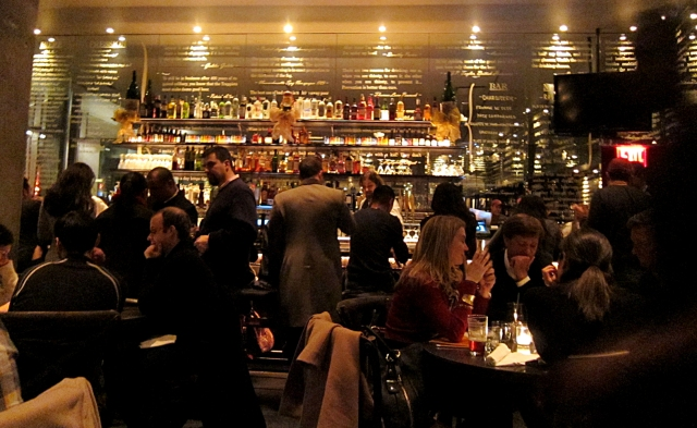 bar-scene-story